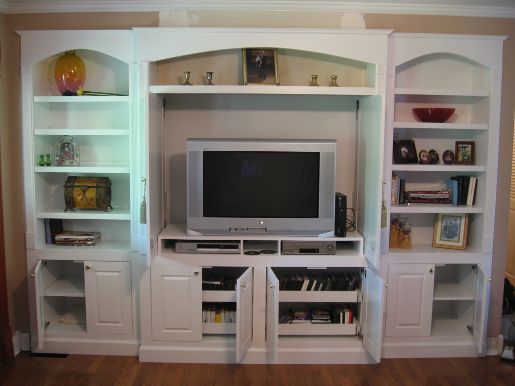 White Entertainment Center Pull Out Shelves Below Tv And Adjule In Cabinets Bookshelves